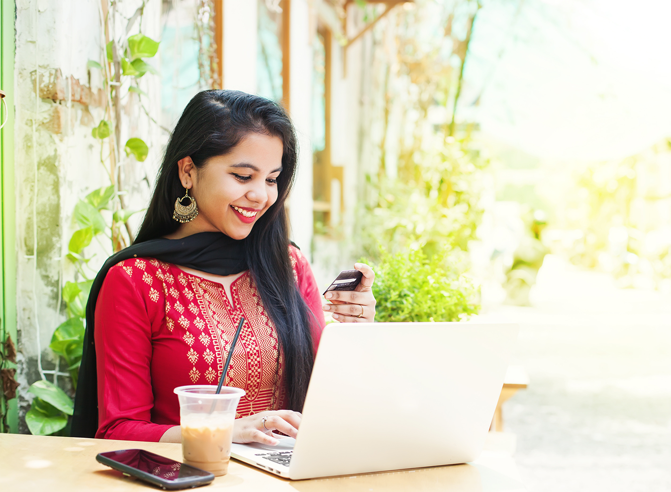 Feature Image of Blog Post about Indian Ecommerce Market